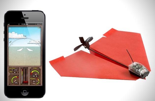 Aeroplano di carta telecomandato dallo smartphone