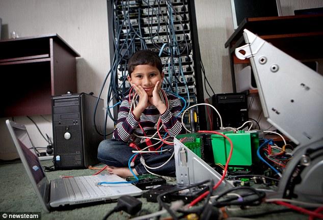 Ayan Qureshi, Microsoft Certified Professional a soli cinque anni (1)