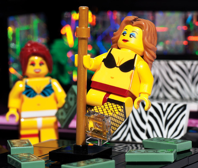 Lego Strip Club Set (2)