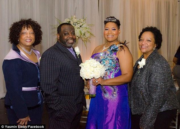 A 40 anni non ha ancora trovato l'anima gemella, decide di sposare se stessa (2)