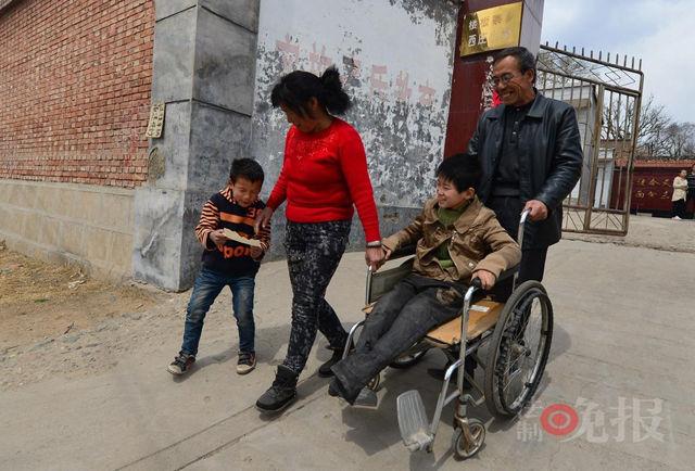 Chen e Guo, la coppia cinese che ha adottato più di 40 orfani disabili (2)
