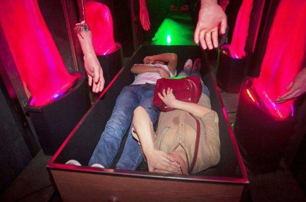 Simulatore di morte in 4D per provare l'esperienza della cremazione (1)