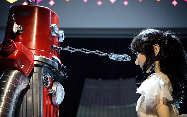 Frois-e-Yukirin-matrimonio-robot