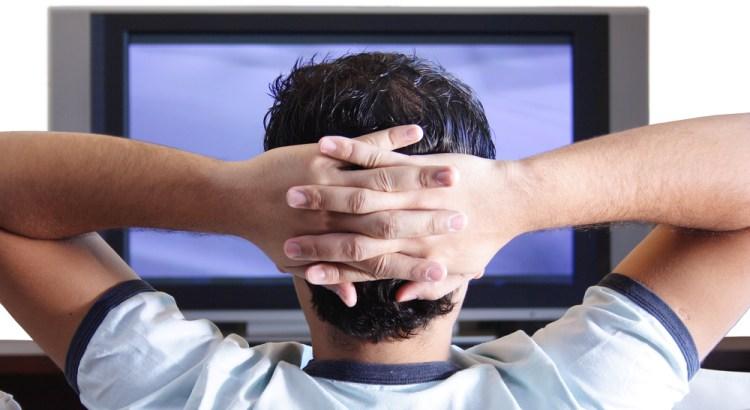 Guardi troppa TV? Potresti morire da un momento all'altro