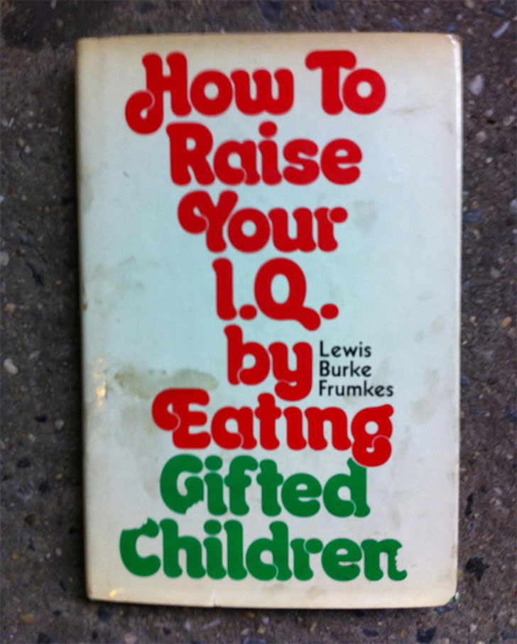12 libri di Amazon dai titoli più strani e assurdi