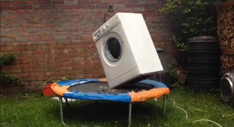 Cosa succede a una lavatrice su un tappeto elastico