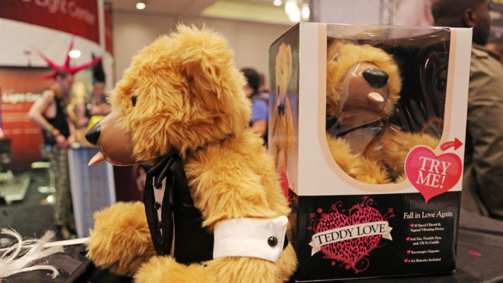 Teddy Love Bear, l'orsetto di peluche - e vibratore - per le cattive ragazze