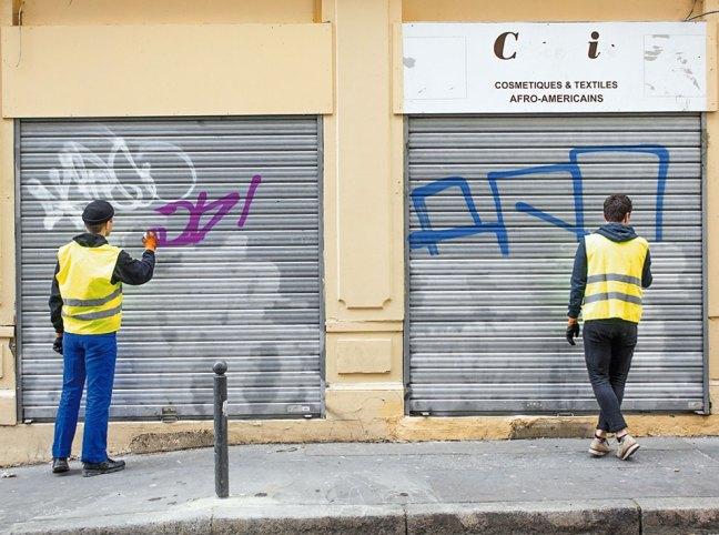 Riscrive sui muri le tag dei writers con testi leggibili13