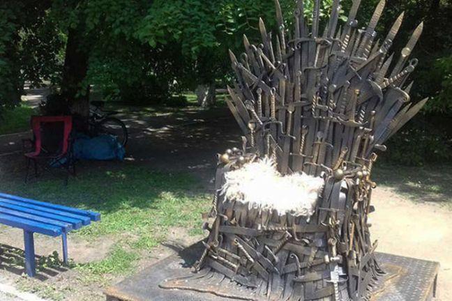Artigiani russi forgiano 387 spade per costruire un trono for Dove hanno girato il trono di spade