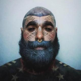corpo-tatuato-grigio-4