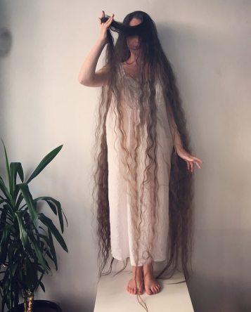 raperonzolo-capelli-lunghi-2
