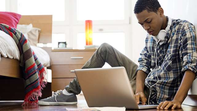 6 Hot Ways To Make Money As A Student Using Your Smartphone Or PC
