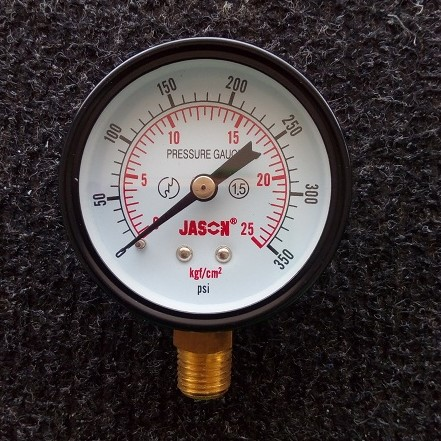 Manometer Logam