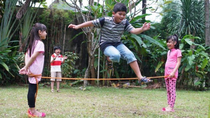 Permainan Lompat Tali