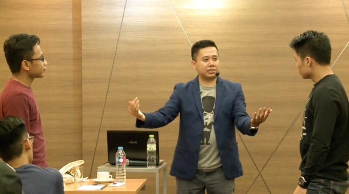 Contoh Percakapan Bahasa Indonesia 3 orang