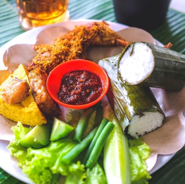 Nasi timbel Bandung