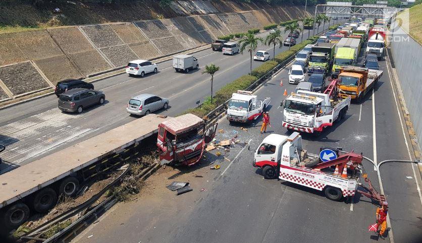contoh teks berita kecelakaan