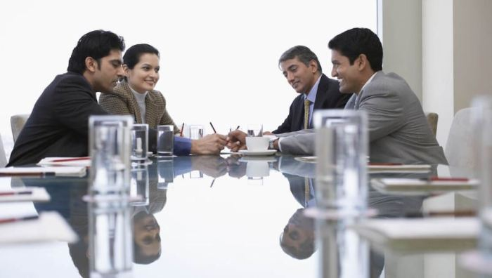 contoh undangan rapat perusahaan