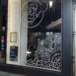 abys-illustration -da- vitrine streetart posca design - pizza