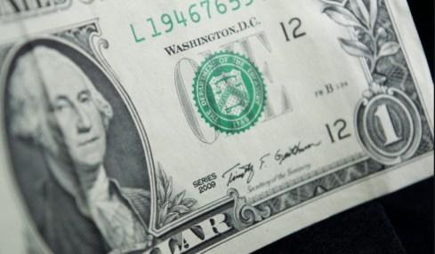 dolar rezervní měna