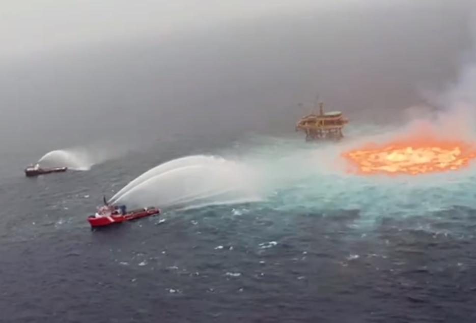 hořící moře mexiko