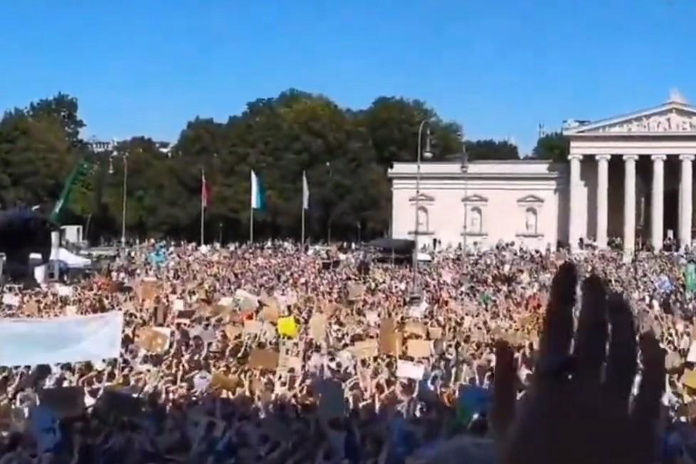 protest covid vlády