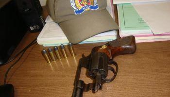 """Fala Mansa"" é preso portando revólver na área central de Rio Branco"