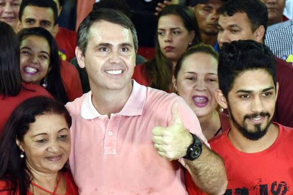 Marcus Viana é oficializado candidato à reeleição em evento da FPA com 2,5 mil pessoas