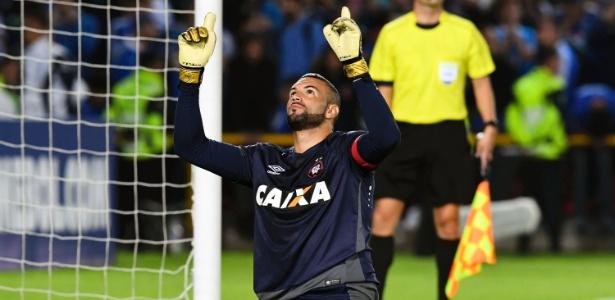 Grande clube paulista tem o interesse de tirar o goleiro acreano Weverton Pereira do Clube Atlético Paranaense, em 2018
