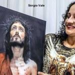 """Chamada de bruxa e feiticeira, prefeita eleita de Tarauacá revela que foi perseguida após """"chamado de Deus"""""""