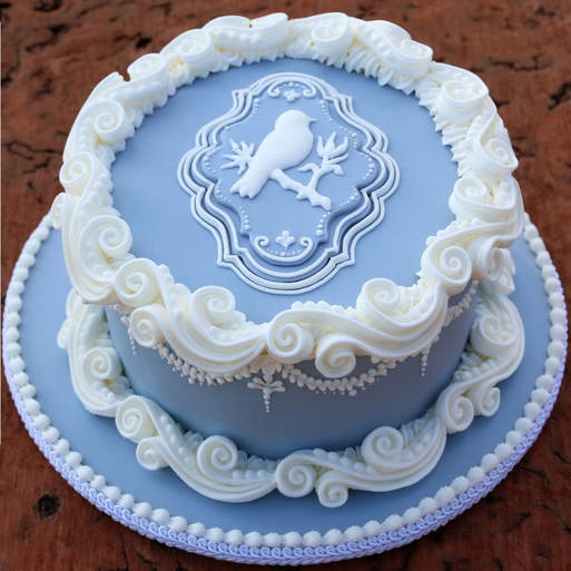 English Over Piping  Anita Human Vintique Cakes  1 Day