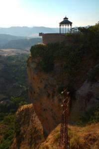 Ausflug nach Ronda mit den Spanischsprachschülern am Balkon.