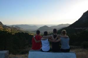 Mit den Spanisch-Sprachschülern beim Kulturausflug der Weißen Bergdörfern, hier auf dem Bergpass El Puerto del Boyar auf 1103 Meter über den Meresspiegel.