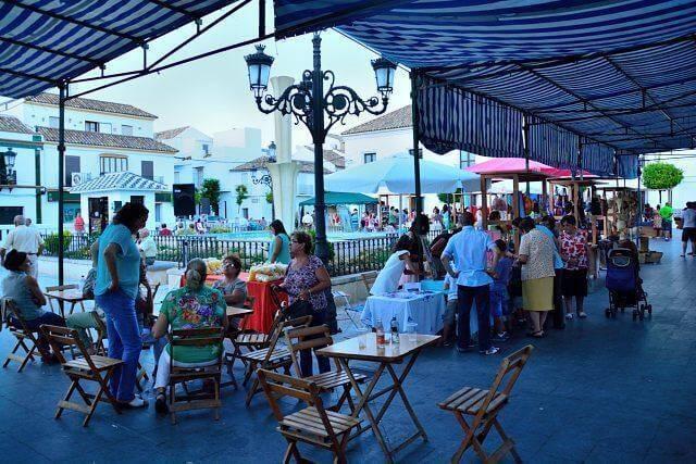mercado artesanal y fiesta benéfica barra de comida y bebida