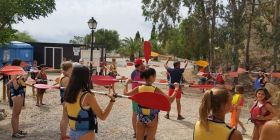 canyoning instructions with students from the camp in Prado del Rey