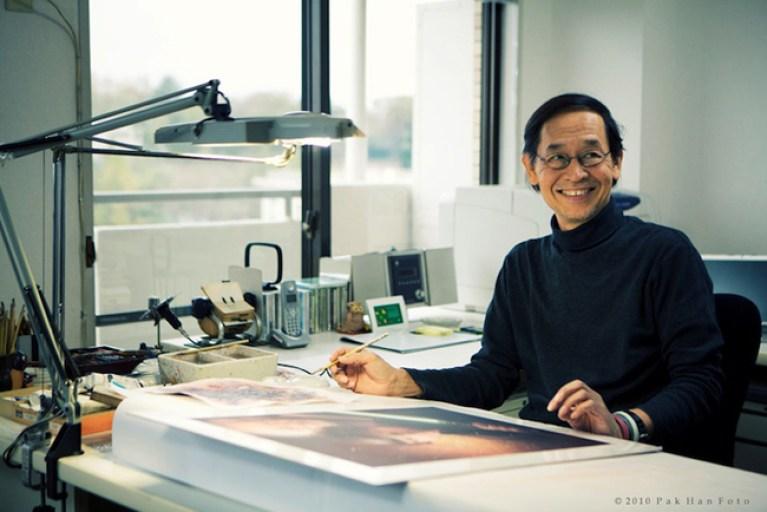 Tsuneo Sanda en su estudio.