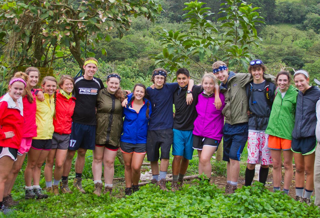 Volunteers in Costa Rica working on an organic farm