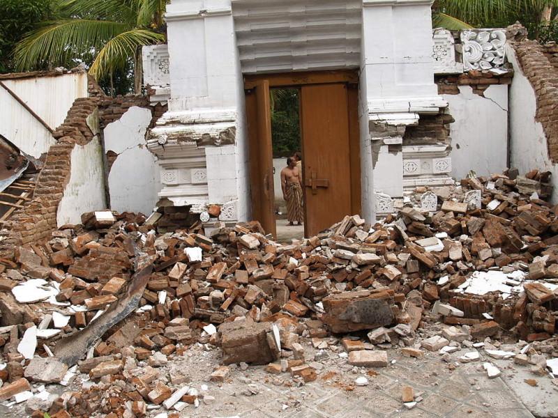 kliping bencana alam 27 Mei situasi Makam Raja-Raja