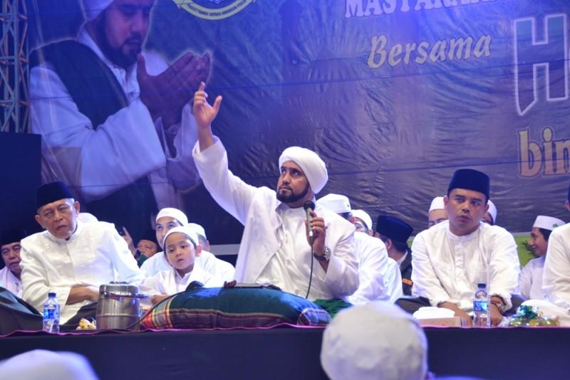 Habib Syech Bershalawat