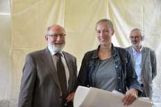 Prijs directeur Jos Hoste: als verdienstelijke leerling in het 2de jaar specialisatiegraad, atelier tekenkunst: Karolien Claessens