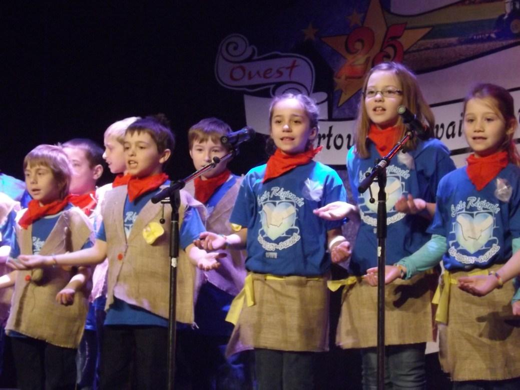 Des élèves de 3e année ont donné le ton à la cérémonie d'ouverture en interprétant une chanson intitulée Bienvenue à Saint-André. - Acadie Nouvelle: Sébastien Lachance