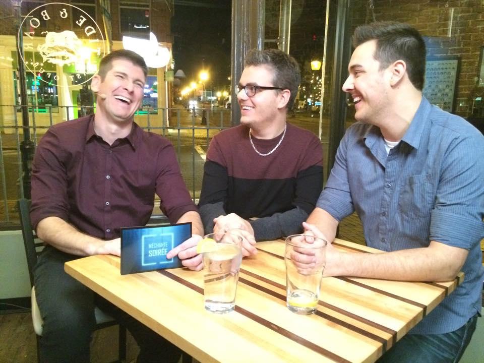 André Robichaud et Maxime Doucet sur le plateau de l'émission Méchante soirée en compagnie de l'animateur Samuel Chiasson (à gauche). - Archives