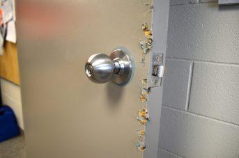 Les suspects ont forcé la porte des bureaux administratifs de la banque alimentaire de Moncton. - Acadie Nouvelle: Jean-Marc Doiron