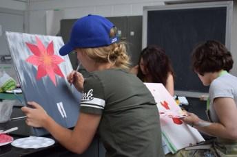 Le 12 juillet 2017. Des jeunes artistes en création aux Jeux de la francophonie canadienne. Acadie Nouvelle: Sylvie Mousseau