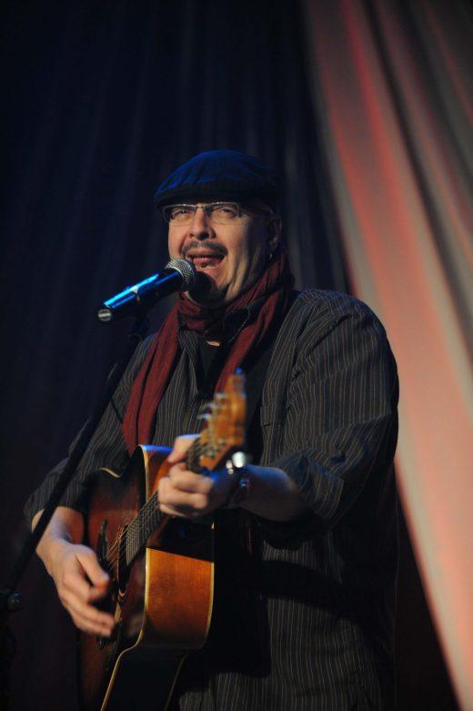 Denis Richard, lors d'un spectacle à Paquetville en mars 2009. - Archives