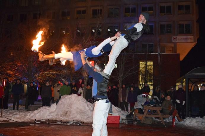 Le collectif Incendia Motus ont offert une prestation à la Place Assomption. Acadie Nouvelle: Sylvie Mousseau