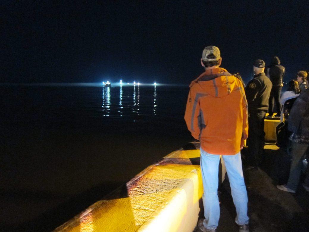 Dans la Péninsule acadienne, le départ des crabiers au moment de l'ouverture officielle de la pêche reste un spectacle qui attire bon nombre de curieux. - Acadie Nouvelle: Vincent Pichard