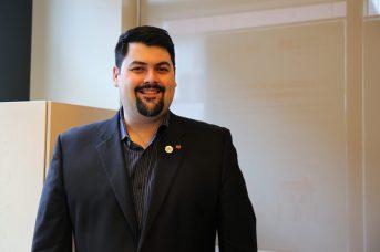 Le directeur de la succursale de la Banque Nationale de Moncton, David Michaud, se dit fier de promouvoir la diversité dans son équipe. - Acadie Nouvelle: Marie Toulgoat