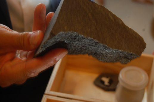 Une roche phosphatée. - Acadie Nouvelle: Idrissa Diakité