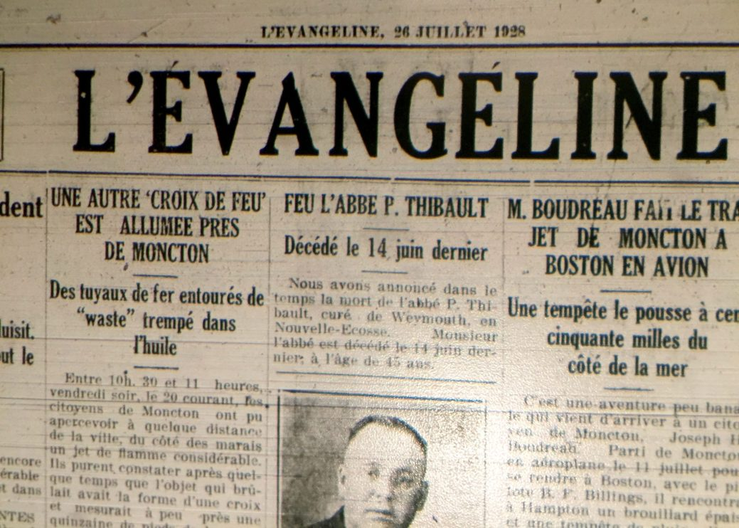 En 1928, l'Évangéline rapporte que trois croix de feu ont été allumées à Moncton, Léger Corner et Memramcook. - Centre d'études acadiennes Anselme-Chiasson